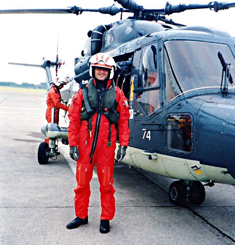 Oef 008 1999 Boreel als Search and Rescue dokter voor een marine helicopter IMG 0005 2